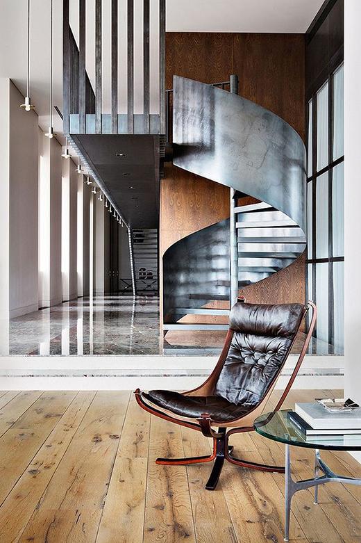 a973309c065 Σκάλες: Τύποι Υπερ Και Κατά - Miss Webbie